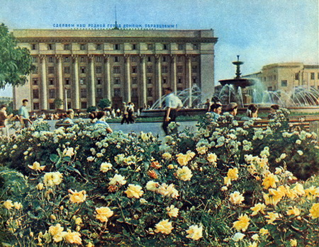 Цвета на площади Ленина