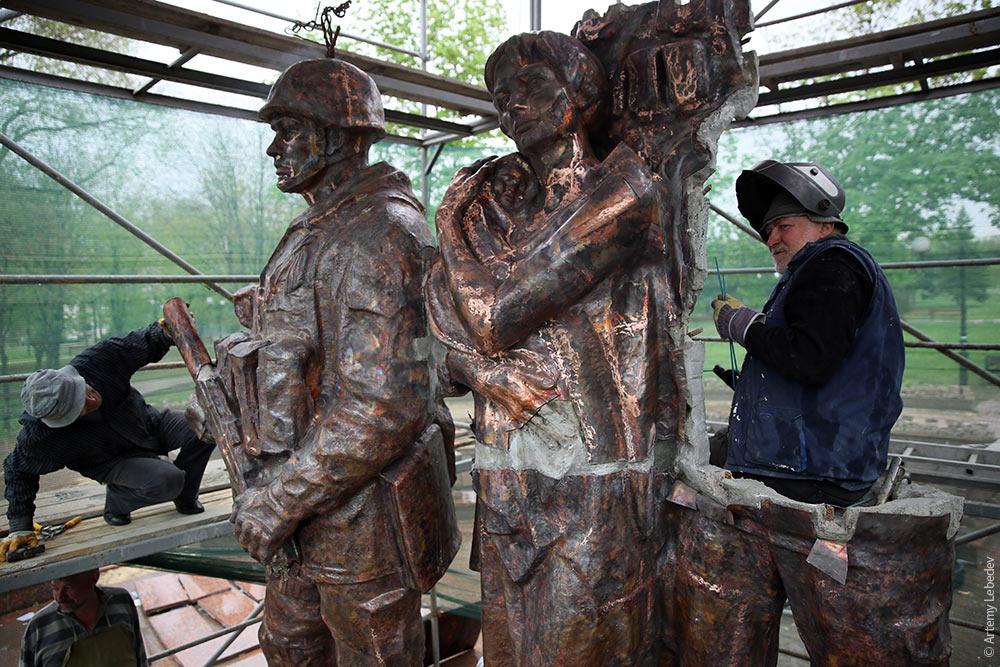 луганск возведение нового памятника