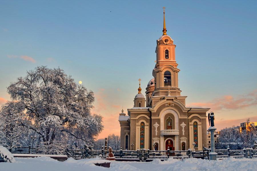Свято-Преображенский кафедральный собор Донецка зимой