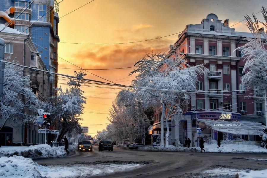 Снежный вечер на фото Евгении Карпачевой