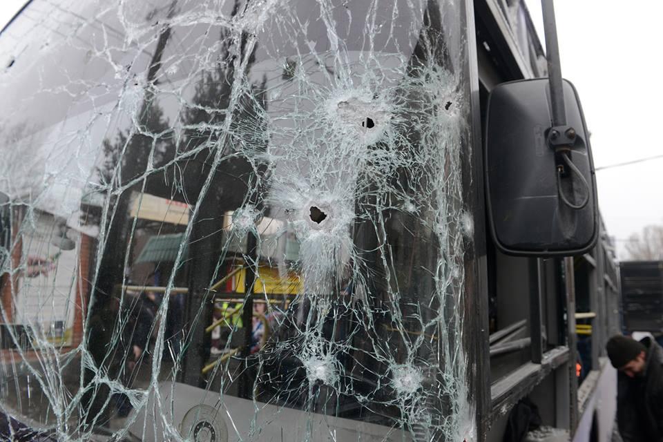 Обстрел троллейбуса на Боссе в Донецке