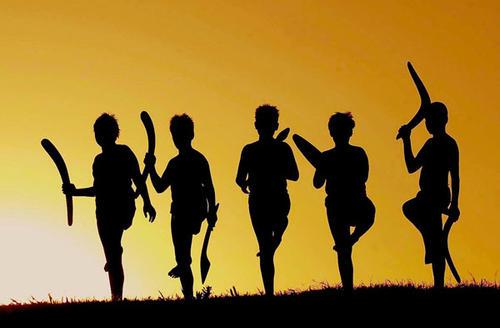 Аборигены на закате